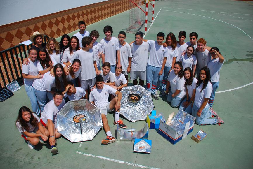 Grupo de alumnos de secundaria del Colegio San Francisco de Asís